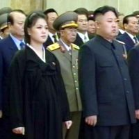Images suggest North Korea leader's wife is pregnant