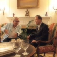 Sharing insights: American journalist Tom Plate interviews Ban Ki Moon at the U.N. secretary general's residence in New York.