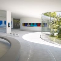 Museum curves: Paintings are dotted throughout a continuous, wide-open gallery space at the Hiroshi Senju Museum Karuizawa, which follows the contours of the slightly sloping site. | DAICI ANO, © HIROSHI SENJU MUSEUM KARUIZAWA