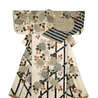 'White kimono (kosode) patterned with bamboo and peony prints' (Edo Period) | &#169; 2013 MUSEUM OF FINE ARTS, BOSTON