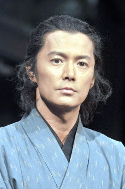 Smooth dude: Heartthrob singer and actor Masaharu Fukuyama plays the role of Sakamoto Ryoma, the samurai who played a crucial role in bringing down the feudal Tokugawa Shogun's regime at the end of the Edo Period (1603-1867), in NHK's 2010 Sunday-evening drama, 'Ryomaden.' | YOSHIAKI MIURA PHOTO