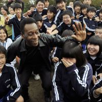 Pele's message of solidarity in Tohoku