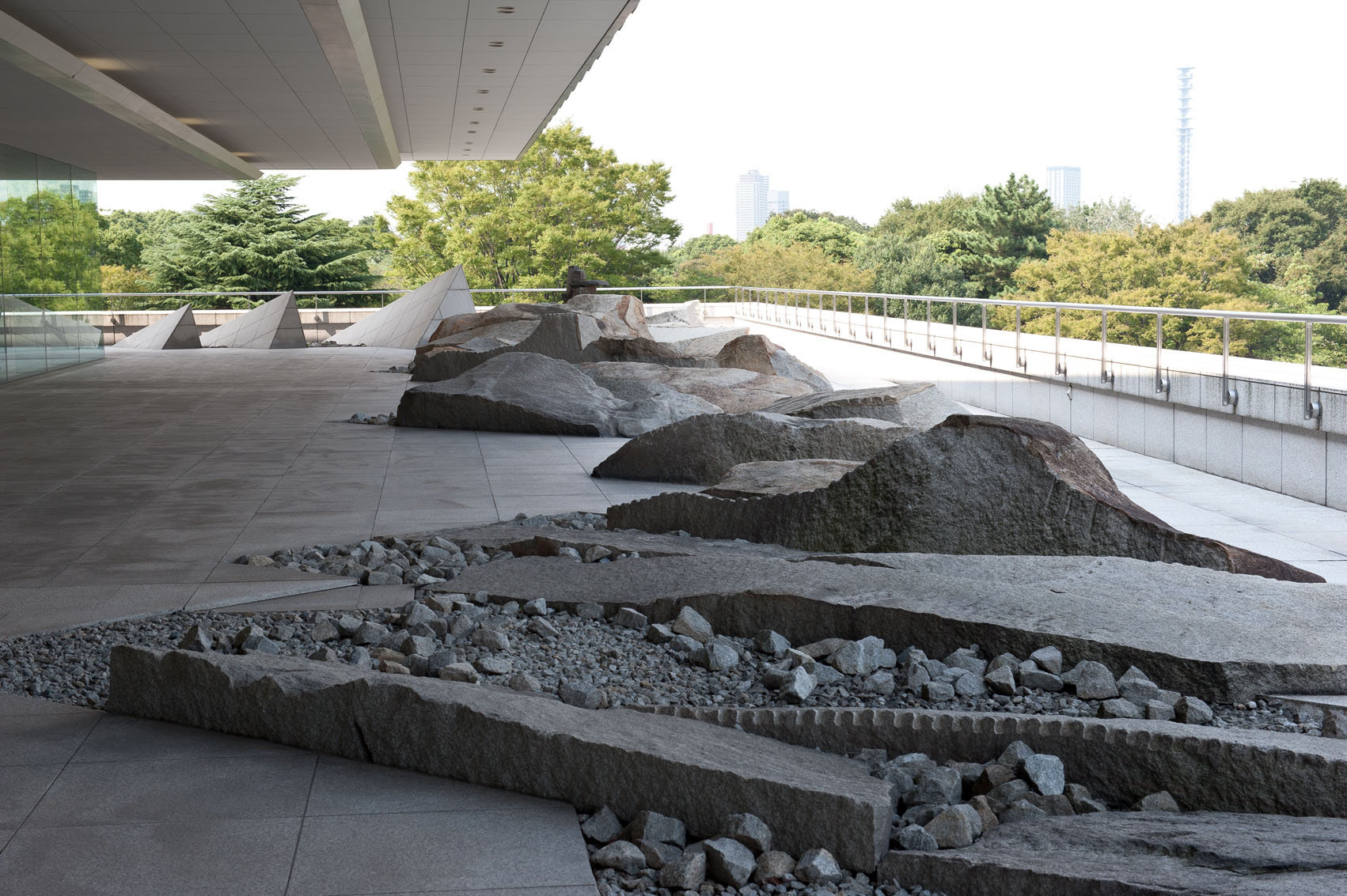Canada 39 s hanging garden of stone in japan the japan times for Landscaping rocks canada