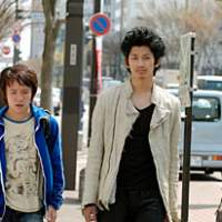 Gaku Hamada (left) and Eita in 'Ahiru to Kamo no Coin Locker'