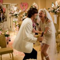 Ashton Kutcher and Cameron Diaz in 'What Happens in Vegas' | HIROMI YOSHI PHOTO