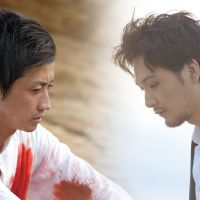 Worlds collide: A troubled religious sect leader (Tatsuya Fujiwara, left) and his skeptical bodyguard (Ryuhei Matsuda) clash in 'I'm Flash!' | © 2012