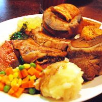 A bite of Blighty: The Sunday Carvery at the Meguro Tavern, with roast meats and spuds plus (overcooked) Yorkshire puddings, may be Tokyo's only traditional British Sunday lunch. | DANIEL ROBSON