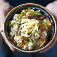 Bowlful of fall: Takikomi gohan (mixed rice) is a great way to sample seasonal ingredients. | MAKIKO ITOH