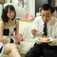 Marichan (Kiyose) attends to a customer at her at-home maid cafe.