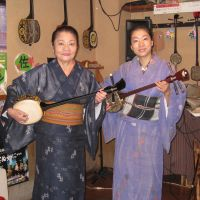Telling stories: Misako Oshiro (left) and Kanako Horiuchi have collaborated on a CD of traditional Japanese folk songs. | JOHN POTTER