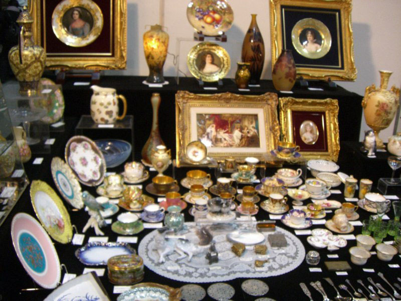 Quite a setting: A collection of antiques are put on display for Yokohama Kotto World.