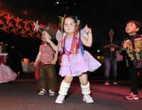Dancing queenlet: Monthly kids' dance party Baby Loves Disco held a Halloween event in Harajuku this past October. Launched three years ago in the United States, BLD parties have spread to Japan and six other countries. | BABY LOVES DISCO