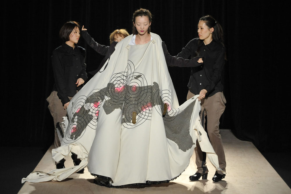 Designers still show collections after japan fashion week Japanese clothing designers