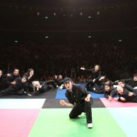 Let's dance: Condors pose (above) in front of an audience at the Saitama Arts Center. | (C) HARU, SAITAMA ARTS THEATER