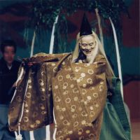 Dancing willow: Sakurama Kinki as the willow tree spirit, wearing the Ishiojo mask, dances for the priest in 'Yugyo Yanagi.' | SEIICHIRO TSUJII