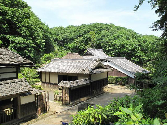 Kawasaki's Nihon Minkaen: Traditional folklore in a natural setting