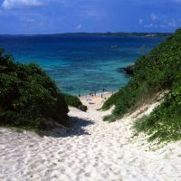 Pure white sand slopes down to Sunayama Beach. | STEPHEN MANSFIELD PHOTOS