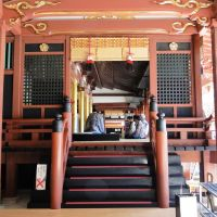 A side view of Tenman-gu Shrine's main hall.