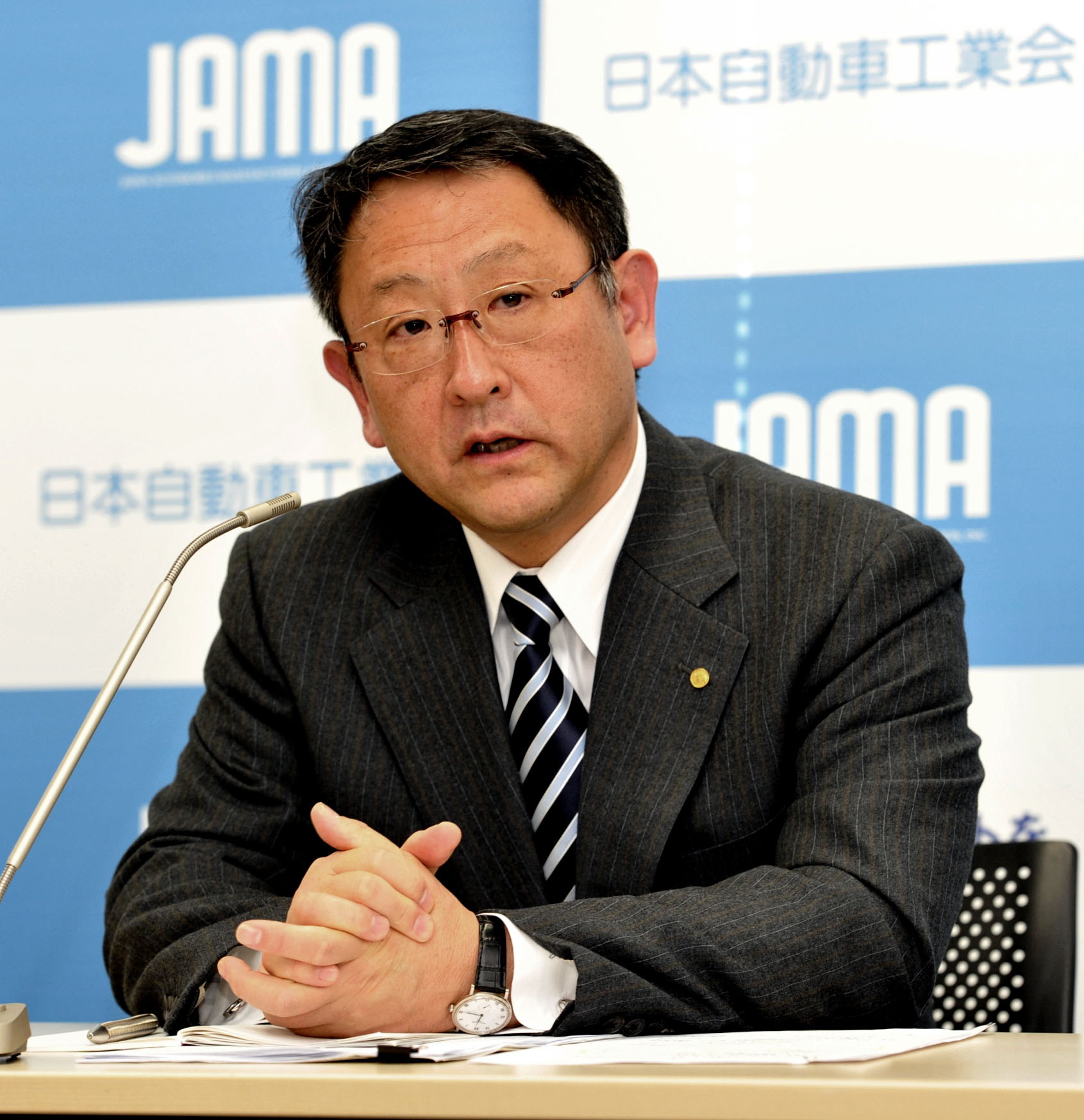 Growth potential: Akio Toyoda, chairman of the Japan Automobile Manufacturers Association, faces reporters on Dec. 20 in Tokyo. | YOSHIAKI MIURA