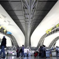 Low-cost carriers boost foreigners at Kansai airport