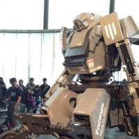 Mecha made real: The Kutatas robot created by Kogoro Kurata and Wataru Yoshizaki was a hit at last weekend's Maker Faire Tokyo.