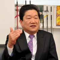 Stung: Mitsuyoshi Naka, president of Fujikura Rubber Ltd., is interviewed in Tokyo in February. | YOSHIAKI MIURA