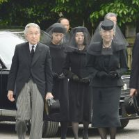 Resting place: Emperor Akihito and Empress Michiko visit the graveyard in Tokyo's Toshima Ward on June 19 where his cousin, Prince Tomohito of Mikasa, who died June 6, was buried. | KYODO