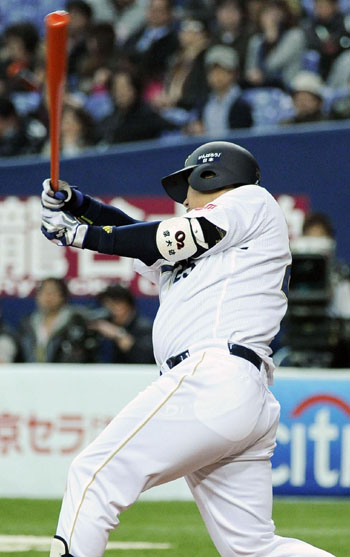 New Buffaloes hitter Lee Dae Ho led Korea with 27 home runs last season. | KYODO