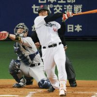 Massive attack: Chunichi's Ryosuke Hirata hits a two-out solo homer in the second inning of the Dragons' 3-2 win over the Lions on Saturday. | KYODO