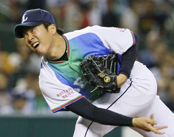 Lion king: Seibu's Ken Togame pitches during the Lions' 6-2 win over the Golden Eagles on Sunday. | KYODO