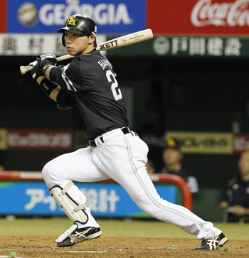 Hawk eye: Fukuoka Softbank's Yuya Hasegawa hits a double in the third inning of the Hawks' 8-2 win over the Lions on Wednesday. | KYODO