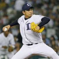 Getting the job done: Lions reliever Shuichiro Osada pitched a scoreless eighth inning to earn the win in Seibu's 5-4 victory over the Hokkaido Nippon Ham Fighters on Saturday at Seibu Dome. | KYODO
