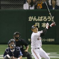 Yano slugs sayonara home run as Giants triumph in 10th