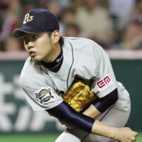 Masterpiece: Orix's Yuki Nishi pitches against the Hawks on Monday. | KYODO