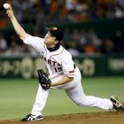 Sawamura, Abe provide big lift for Giants in Game 4