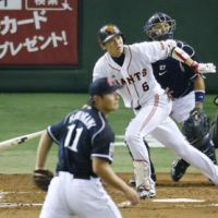 Important contributions: Giants star Hayato Sakamoto goes 2-for-4 with an RBI in Game 4. | KYODO