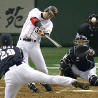 Cometh the hour: Yomiuri's Yoshihito Ishii knocks in the game-winning run in the bottom of the ninth inning of the Giants' 3-2 victory over the Dragons in Game 5 of the Central League Climax Series final round on Sunday. | KYODO