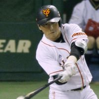 Northern exposure: Hisayoshi Chono and the Giants have a 2-0 lead in the Japan Series going into Tuesday's Game 3. | KYODO