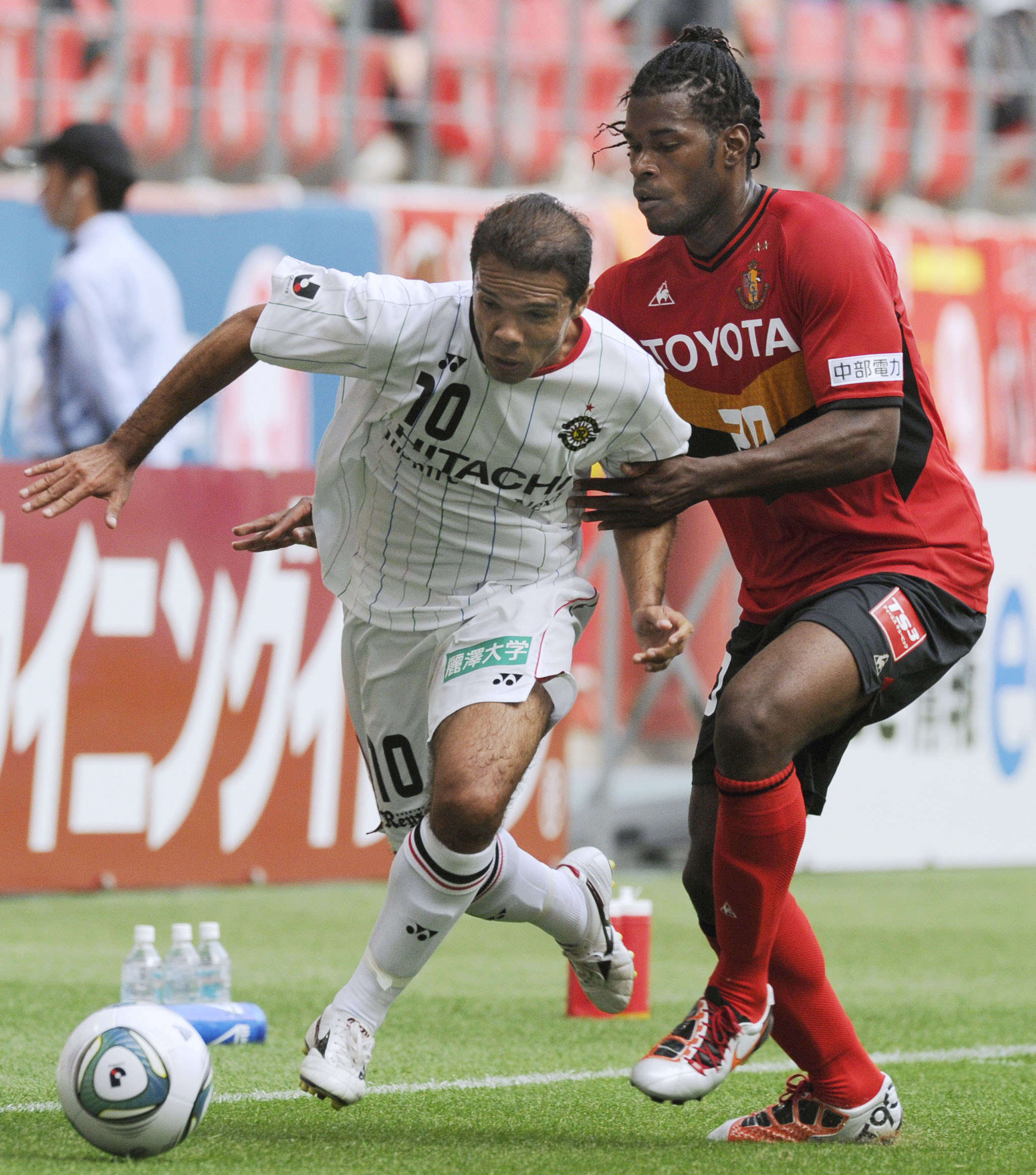 Impact player: Leandro, who was the J. League's MVP last year for champion Kashiwa Reysol, was sidelined for more than a month this season with a knee injury. | KYODO
