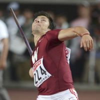 Dean edges Murakami for javelin title