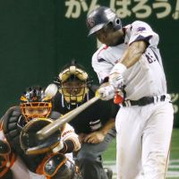 On fire: Lastings Milledge has been on a tear since moving from third to first in the Swallows' lineup. | KYODO