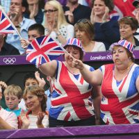 Standing by their man: British fans cheer for Andy Murray during Olympic action on Sunday. | AFP-JIJI