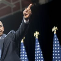 Obama pushes immigration reform