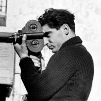 Gerda Taro's 'Robert Capa, Segovia Front, Spain' (late May — June 1937). | © ICP, MAGNUM PHOTOS/ COLLECTION OF ICP; © ICP