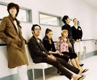 Yuki Uchida and the cast of 'Quiet Room ni Yokoso' © 2007 'QUIET ROOM NI YOKOSO' FILM PARTNERS