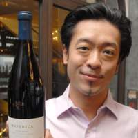 Yutaka Ozaki, sommelier at Salt, holds his recommendation for fall, a bottle of Maverick Shiraz 2005, which he describes as having 'great finesse and perfect balance that dances on your palette.' | YOSHIAKI MIURA PHOTO