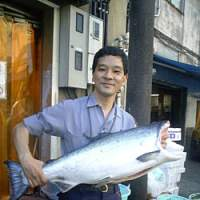 Kazuhiko Wada provides quality supermarkets and top-end restaurants and hotels in Tokyo with top-quality fish. His company, Kamewa Shoten, is an approved supplier of seafood produced by sustainable fishing. | ANGELA JEFFS PHOTO