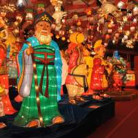 Lights on: Celebrate Chinese New Year in bright spirits at the Nagasaki Lantern Festival. | NAGASAKI LANTERN FESTIVAL