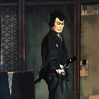 In the thrilling highlight of 'Kamikakete Sango Taisetsu,' Gengobei (Matsumoto Koshiro) slays the geisha Koman (Nakamura Tokizo) after having first forced her to murder her baby.