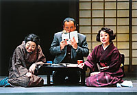 Shinobu Otake (right) in 'Taiko Tataite Fue Fuite' | PHOTO COURTESY OF KOMATSUZA